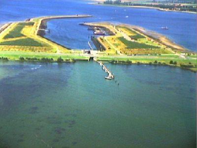 Bergsediepsluis bij de Oesterdam - foto S.v.d.Molen wikipedia commons.