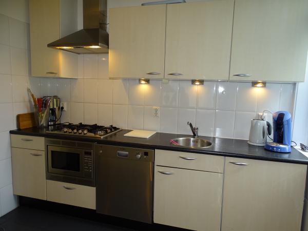 Ze621 vrouwenpolder zalig - Gezellige keuken ...