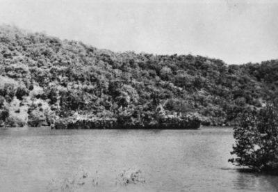 Hr.Ms Abraham Crijnsse, 'vermomd' als tropisch eiland