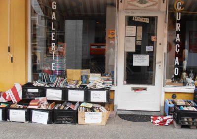 Nostalgisch boekwinkeltje, maar ook zelfbediening.