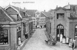 De Dorpsstraat, levendige handel