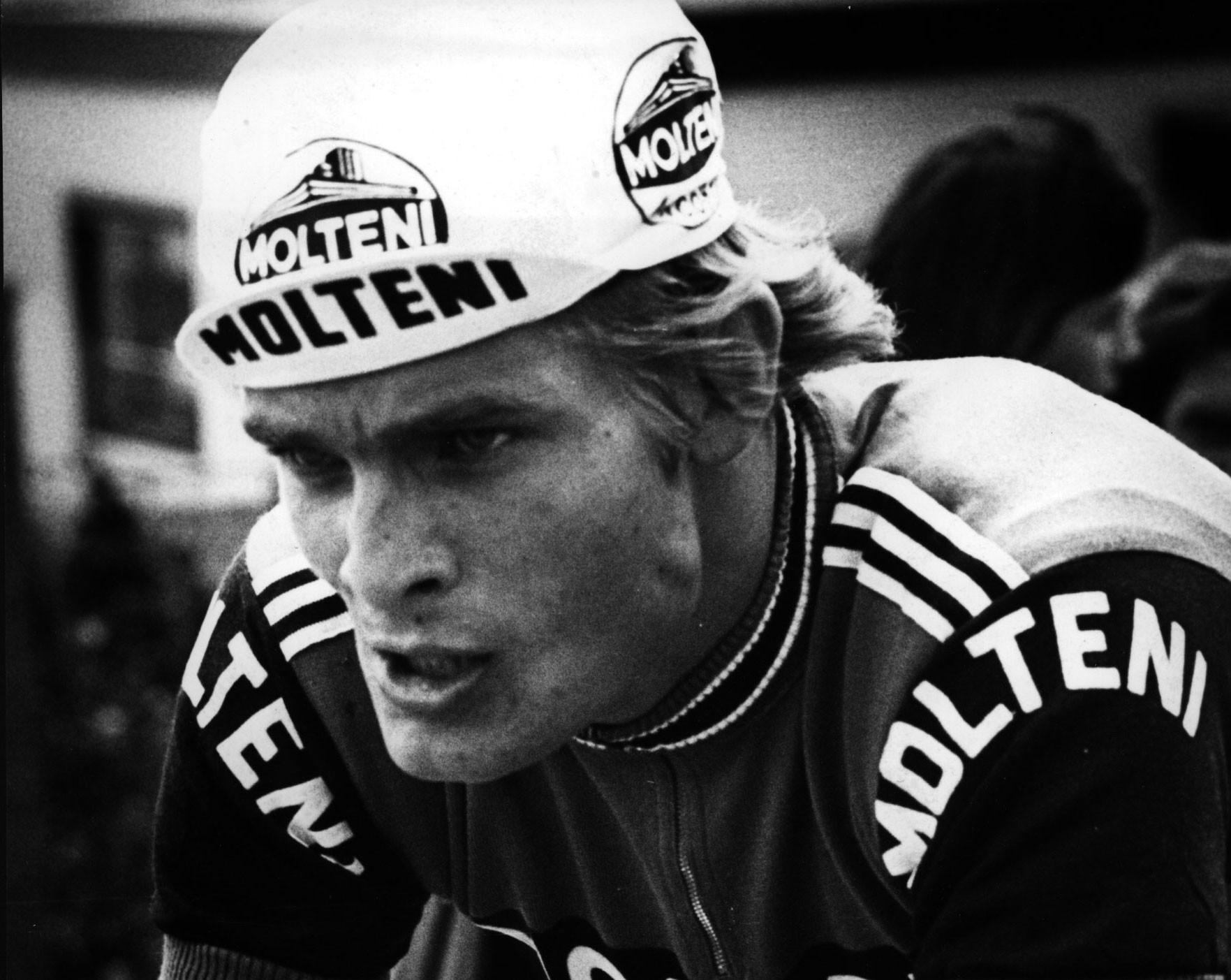 Bal als ploeggenoot van Eddy Merckx. Foto Cor Vos