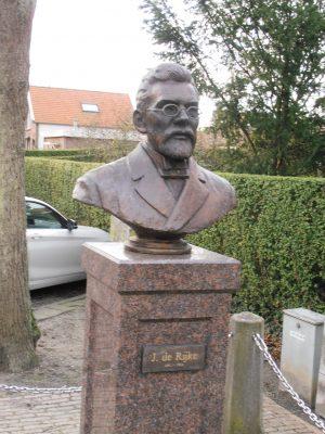 Bortsbeeld De Rijke bij zijn geboortehuis