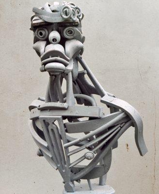 Buste van beeldend kunstenaar Marcel Warmerhoven