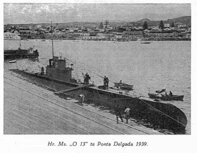 De O13 in de haven van Ponta Delgada