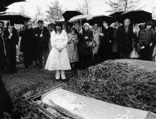 De begrafenis van Mathilde