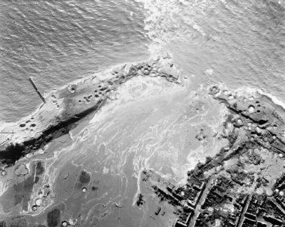 De dijkdoorbraak na het bombardement