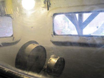 De krappe stuurhut - Foto Mia van den Berg