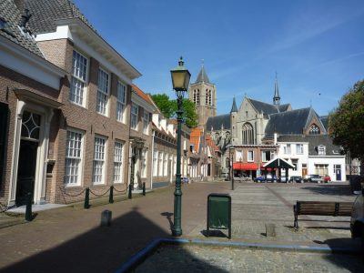 De stadsmarkt in Tholen