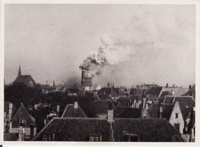De toren stortte in