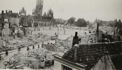 De verwoestingen op de Markt en omgeving - foto Zeeuws Archief