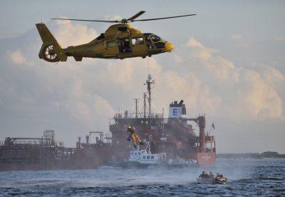 Drenkeling uit het water halen. Foto www.laatzeelandzien.nl