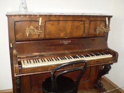 Een Feurich piano