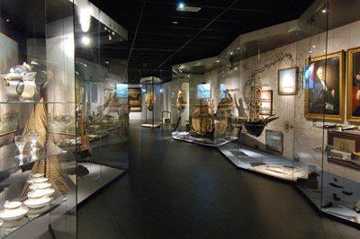 Een van de fraaie expositieruimten