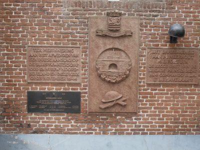 Gedenkplaat aan de Kerk Colijnsplaat