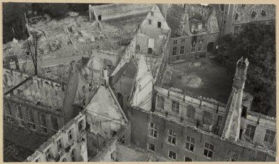 Gezicht vanaf de Lange Jan op de_Abdij - foto - Rijksdienst voor het Cultureel Erfgoed