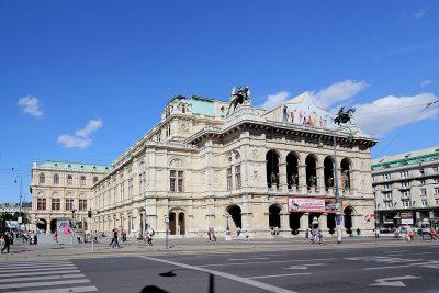 Het gebouw van de Staatsopera in WEnen - Foto Bwag - httpscommons.wikimedia.org
