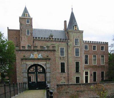 Het poortgebouw van Slot Haamstede