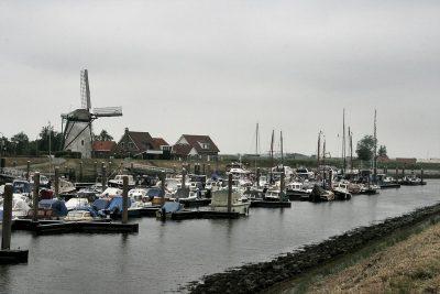 De Jachthaven de de Stavenisser molen
