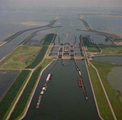 Kreekrak sluizen Bron beeldbank.rws.nl. Foto Bart van Eyck