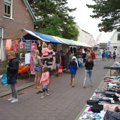 Leven en gezelligheid tijdens de vrijmarkt