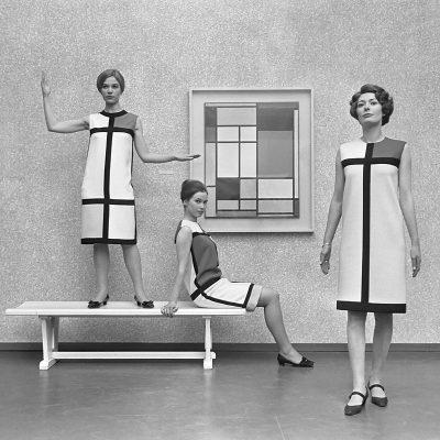 Mondriaanmode van Yves St. Laurent (1966) Foto Eric Koch Anefo commons.wikimedia.org