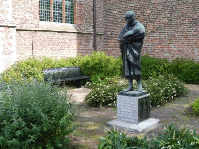 Monument Watersnood Jan Wolkers Staatpareltjes