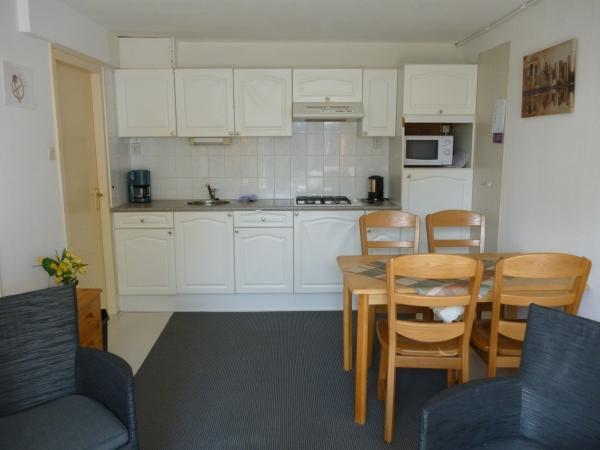 Keuken Met Zithoekje : Hotel de naaldhoffoto kamer zithoek en keuken hotel de naaldhof