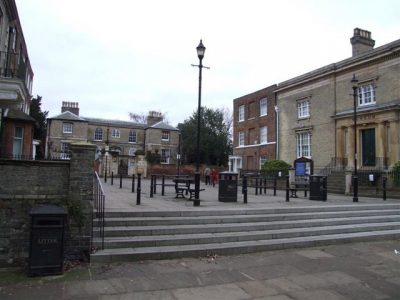 Museum Square in Wisbech Foto Tony Bennett, commons-wikimedia.