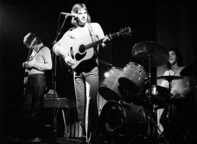 Optreden in De Piek in Vlissingen van Johny's Rock & Roll Band, met op gitaar John Caljouw en rechts Cees Meerman, foto Jan Simonse,