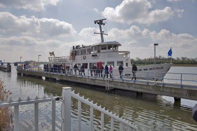 Rondvaartboot kanaal Gent naar Terneuzen - Foto www.laatzeelandzien.nl
