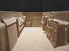 Simpelveldse sarcofaag van het jaar 150 - foto Theo de Nooij