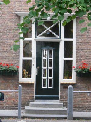 Statige voordeur in de Voorstraat