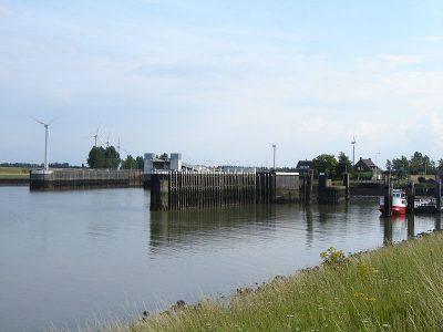 Veerhaven Perkpolder, 2007. Het rode vaartuig is van de voetveerdienst Hansweert-Foto Limo Wreck httpscommons.wikimedia.org