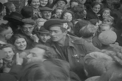 Vreugde na de bevrijding door Canadezen