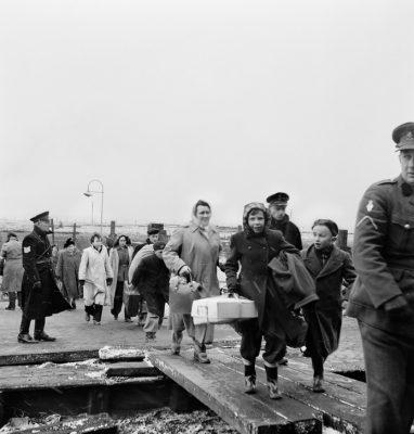 Watersnoodramp, Hellevoetsluis (1953). © Cas OorthuysNederlands Fotomuseum