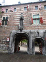 de vroegere abdij, nu Zeeuws Museum