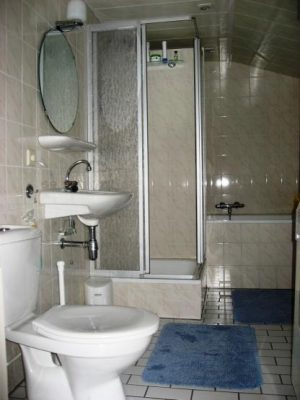 frisse, ruime badkamer