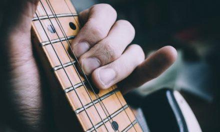 15 februari – Klassieke gitaar in Tholen – Izhar Elias