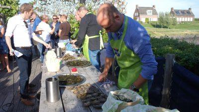 vooraf worden de oesters geselecteerd